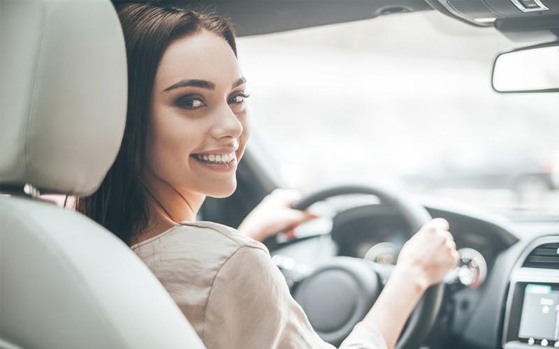 Bạn có biết: Lái xe sẽ giảm thiểu khả năng bị say xe (Nguồn ảnh: Internet)